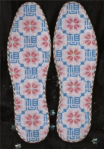 手工针纳十字绣鞋垫