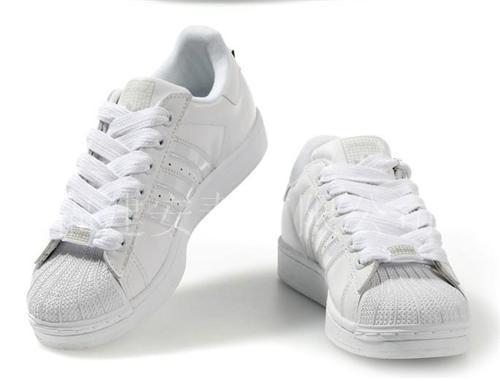 阿迪达斯跑鞋 阿迪达斯板鞋 阿迪达斯三叶草系列 阿迪达斯贝壳头系列